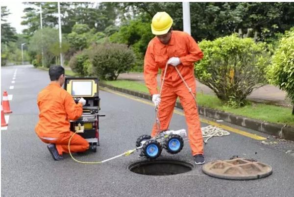 """开挖修复管道""""患处"""",机器人为下水道查病"""