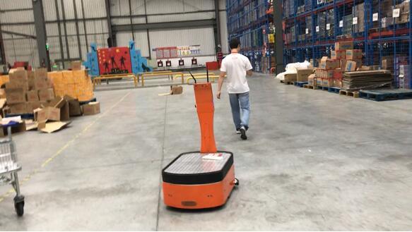 有效提高仓运效率 AICRobo仓储运输机器人初测完竣
