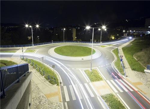 【新闻图片】昕诺飞升级SR LED驱动器系列产品,符合全新D4i标准 01.jpg