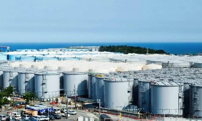 福岛第一核电站现场:处理水储罐林立
