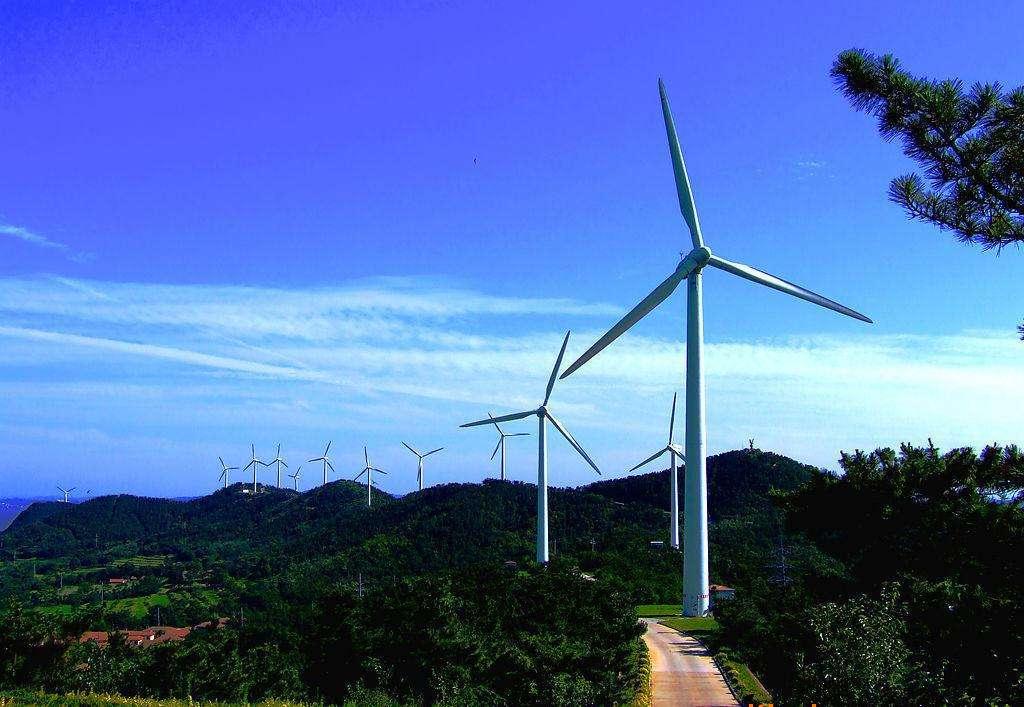 云南罗平阿岗风电项目首批4台机组投产发电