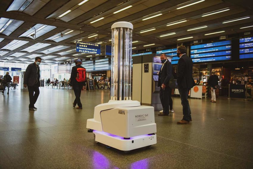 St-Pancras-UV-C-robot--850x567.jpg