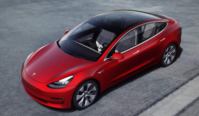 特斯拉已在60万辆汽车上搭载完全自动驾驶芯片,该功能将很快上线