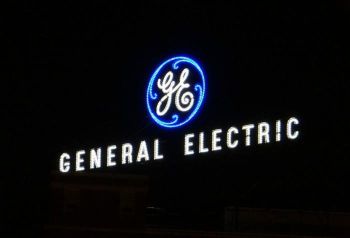 通用电气宣布出售运营近130年的家用照明业务;NASA宣布推迟载人航天发射