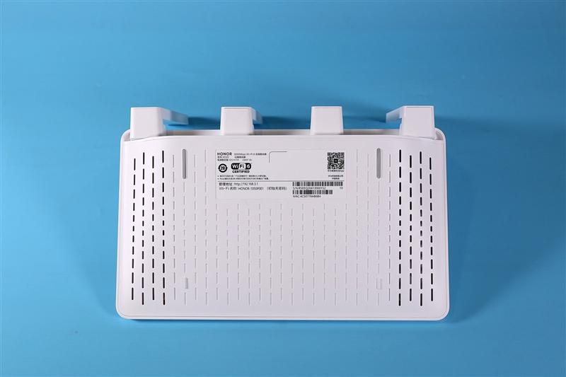 自研凌霄芯片加持 比Wi-Fi 6更6! 荣耀路由3评测:219元即享千兆无线