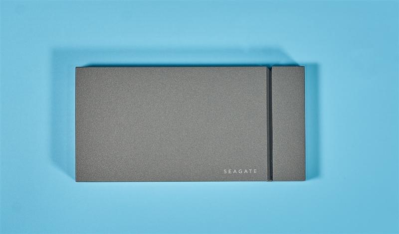 最快的移动硬盘!希捷酷玩游戏移动SSD极光侠 500GB国内首测:强到超出常理