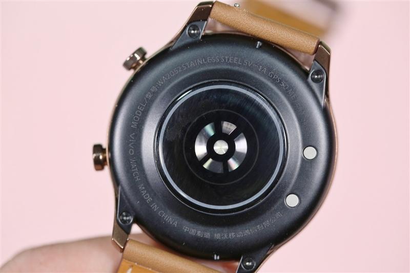 全天连续血氧检测独一无二!Vivo Watch评测:蓝厂进军智能穿戴第一步
