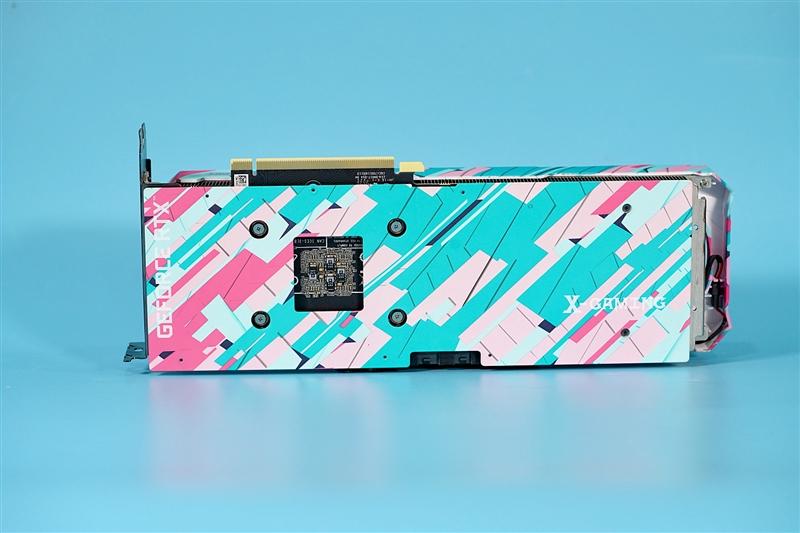 年轻活泼的撞色设计!索泰RTX 3070 X-GAMING OC评测:温度与性能都强于公版