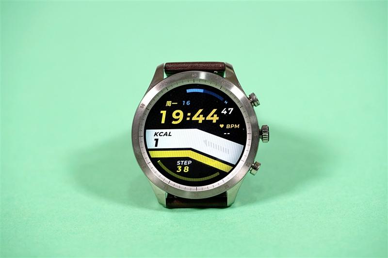 心电 血氧都能测!Zepp Z智能手表体验:满足机械情怀的全能健康旗舰