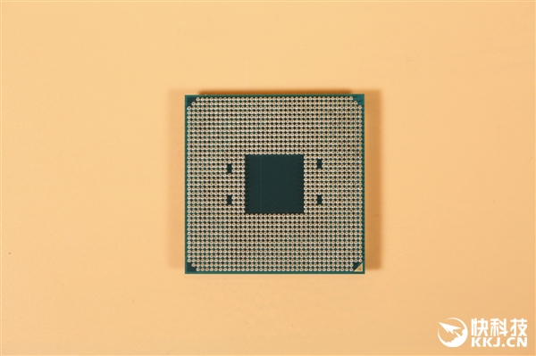 AMD 16核心32线程锐龙9开箱图赏