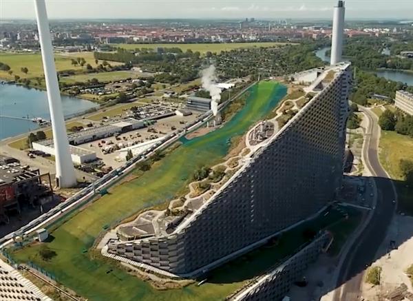 全球最酷炫垃圾发电厂!滑雪、攀岩、酒吧都在这里全都有