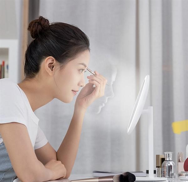 米家LED化妆镜发布:智能补光 送女友利器