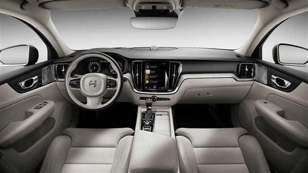 安全配置飙升!全新一代沃尔沃S60预售28.70万起:剑指BBA