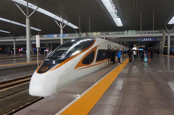 中国造动车组首次出口菲律宾:时速120公里