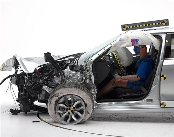 大众帕萨特中保研碰撞测试解读:美版Passat表现如何呢?