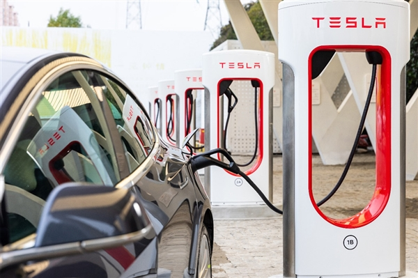 中国首座特斯拉V3充电桩开放 充