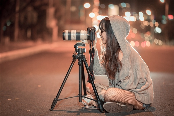 全球数码相机出货量或锐减两成:仅有10年前八分之一
