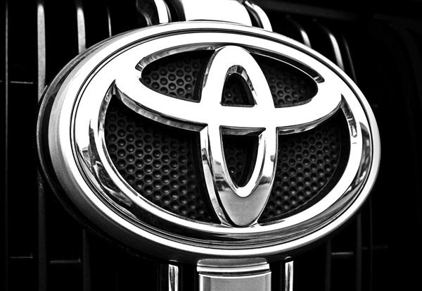 豐田召回近70萬輛汽車:燃油泵缺陷或致撞車風險