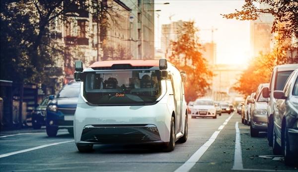 沒有踏板和方向盤!通用首款無人駕駛汽車首發:定名Cruise Origin