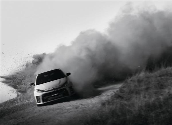 丰田YARiS高性能版海外售价公布:最低26.3万起 5.5秒破百