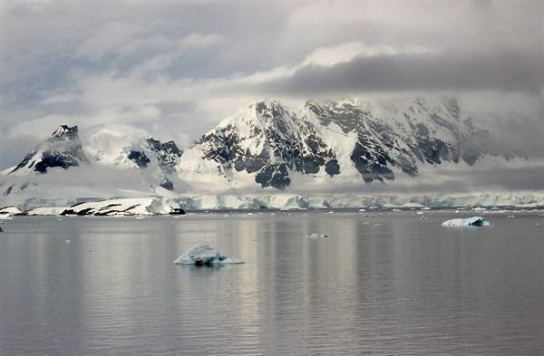 2019年北极冰盖损失严重 格陵兰岛一年融化6000亿吨冰