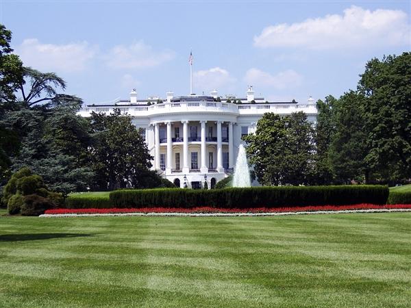 美国多地封城超1亿人被要求呆在家中 总统集中超算资源对抗疫情