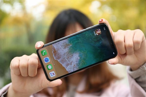 苦等多时!苹果要让Phone能通过面部自动调整屏幕方向