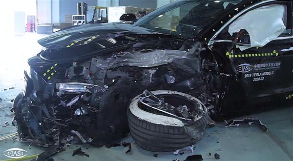 特斯拉Model 3中保研碰撞测试完成!现场视频曝光:A柱感受下