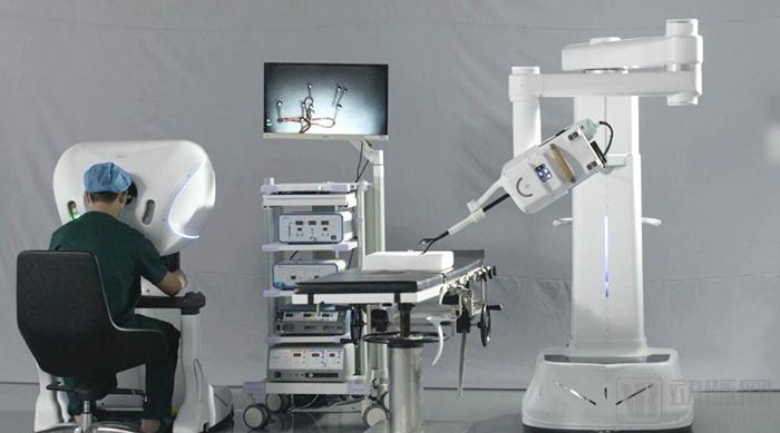 精鋒手術機器人.jpg