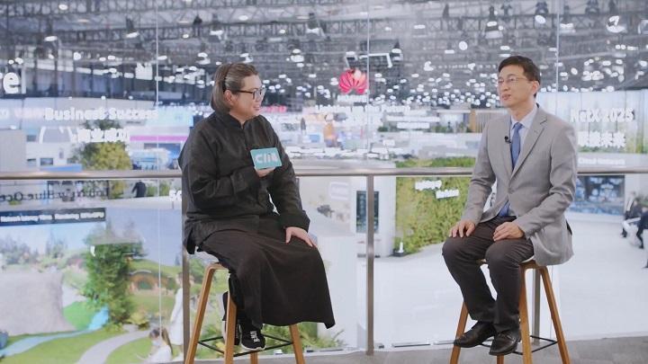 MWCS华为展台探访:创新点亮未来