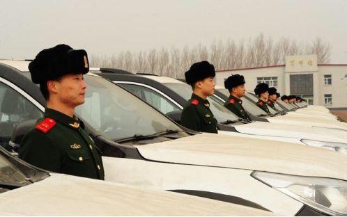 哈弗H9举起国产SUV界的大力神杯,国防用车也可以有国产车