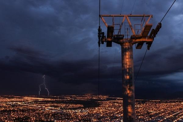 取消电网垄断性收费 规范供电环节