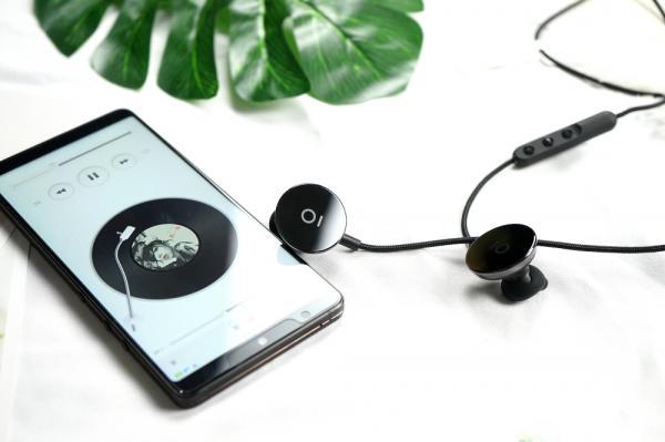 """运动蓝牙耳机中的""""潮牌""""—i.am+ Buttons Ceramic陶瓷版体验"""