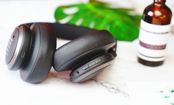 JBL LIVE650BT评测:是蓝牙耳机,更是AI智能耳机
