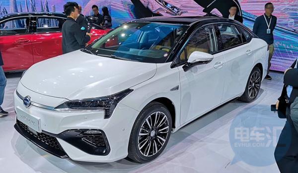 广汽AionS纯电动轿车开启预售,补贴后14万元起