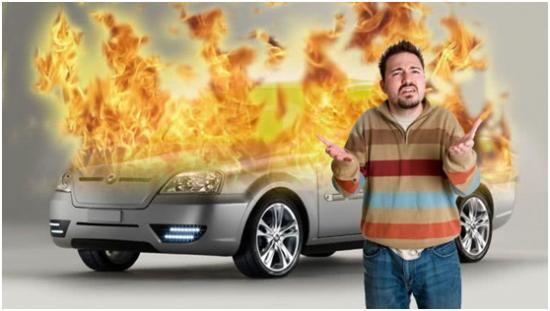 特斯拉又发起火事故,是时候给新能源车浇一瓢冷水了