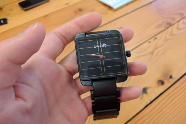 不充电也不断电的手表,没想到是戴在手上的充电宝