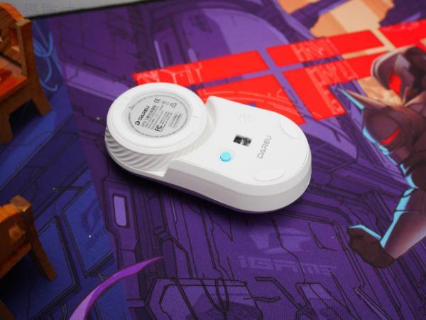 安静得像触控板,达尔优UFO飞碟小鼠体验记