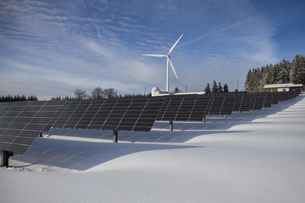 新能链资讯播报:国家能源局拟将2278.8642万千瓦光伏项目列入竞价补贴范围