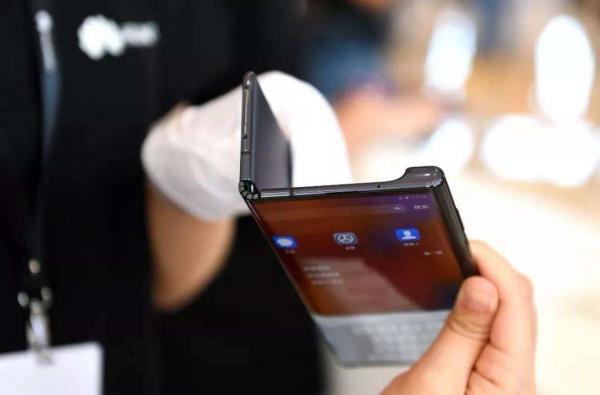 从三星手机屏幕发展历程 看手机行业屏幕进化史