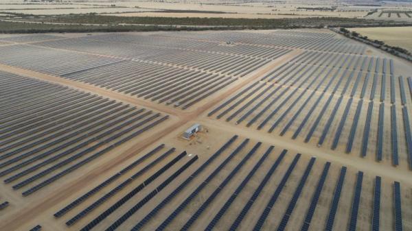 东方日升投资并承建澳大利亚西部最大光伏电站即将完工