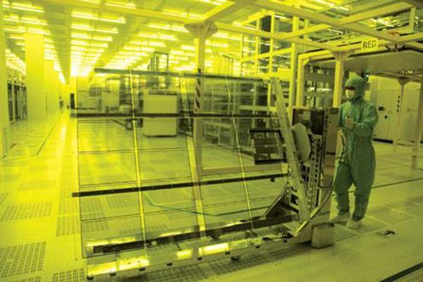 中国不仅在液晶面板市场超越韩国,在先进面板技术上也发起了挑战