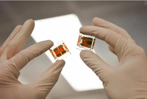 新锐丨柔性钙钛矿电池研发获新进展 或成行业颠覆性竞争者