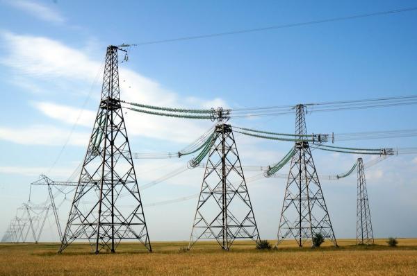 美国新型太阳能+储能变换器   提供更强大的电网稳定性