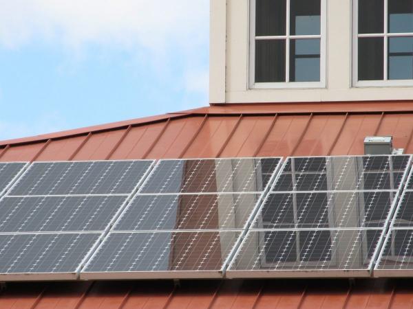 北美遭遇疫情重创!2020年仍是美国家用太阳能储能破纪录的一年