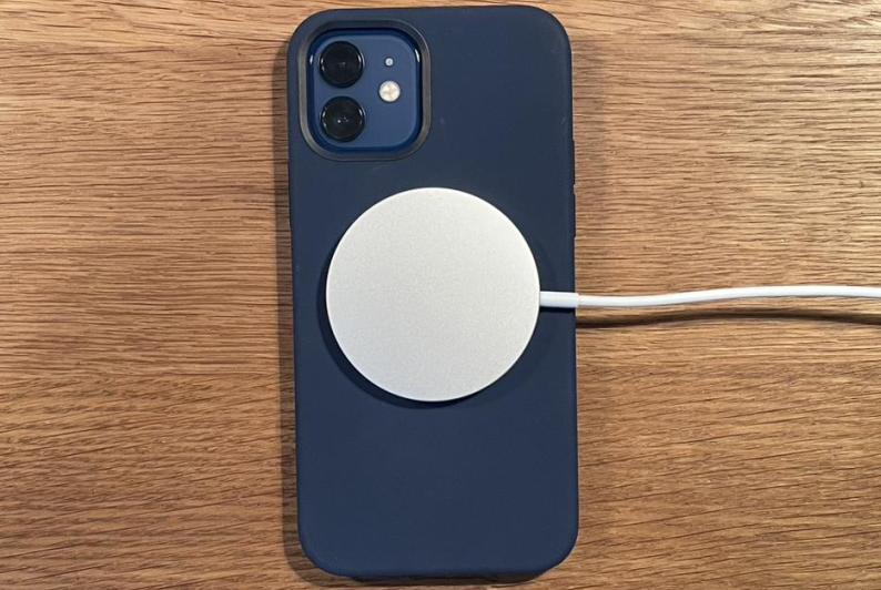 iPhone 12:再见了,第三方磁吸无线充!