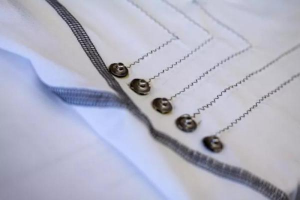 陈根:智能衬衫,使用碳纳米管纤维监测心率