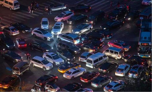 燃油车以何种姿态退场