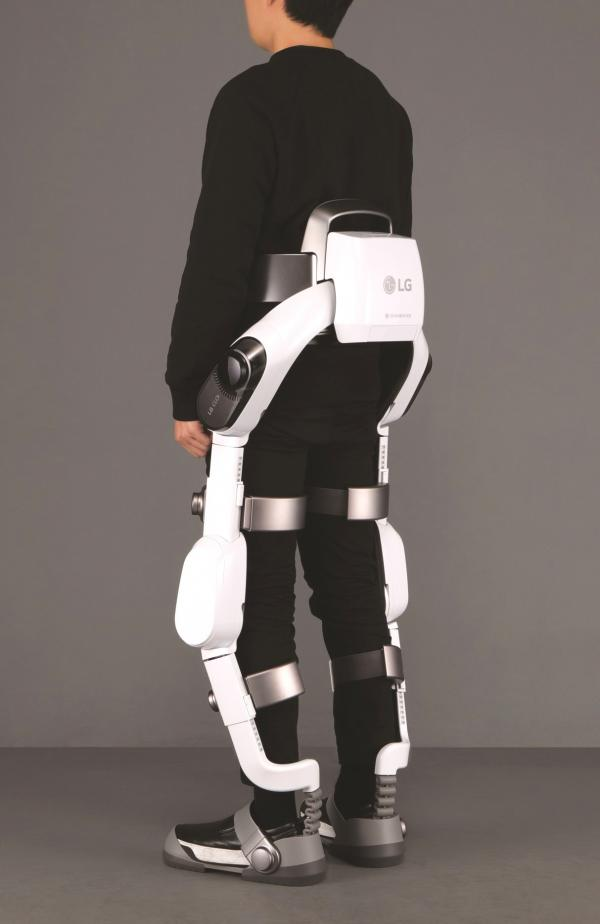 LG又搞了大新闻,残疾人都可以站起来走路了!