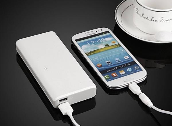 黑科技充电宝诞生,手机充电于一体